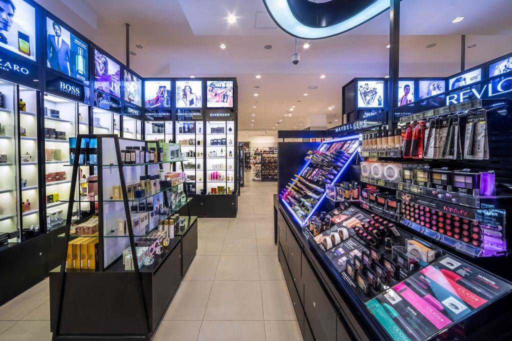 5ce439c3b Riachuelo inaugura área dedicada à beleza com produtos nacionais e ...